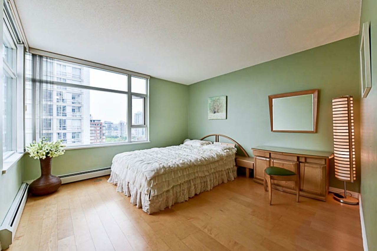 262224434-3 at 2001 - 1199 Marinaside Crescent, Yaletown, Vancouver West