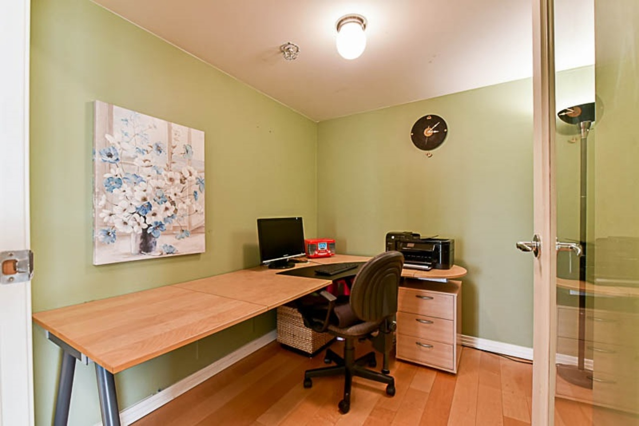262224434-8 at 2001 - 1199 Marinaside Crescent, Yaletown, Vancouver West