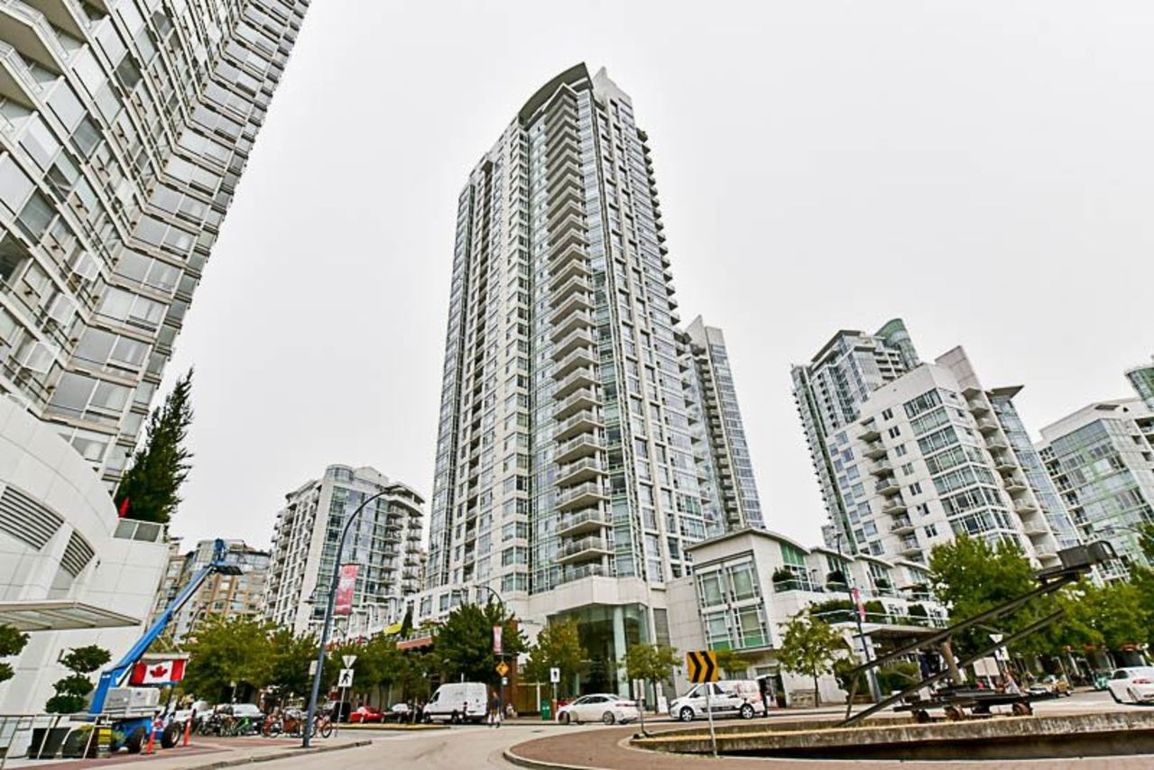 262224434 at 2001 - 1199 Marinaside Crescent, Yaletown, Vancouver West