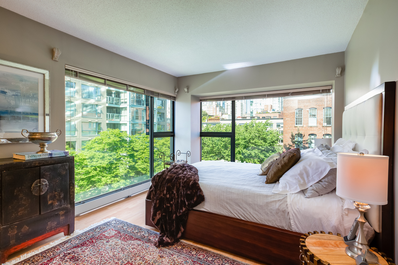 19 at 601 - 1177 Pacific Boulevard, Yaletown, Vancouver West