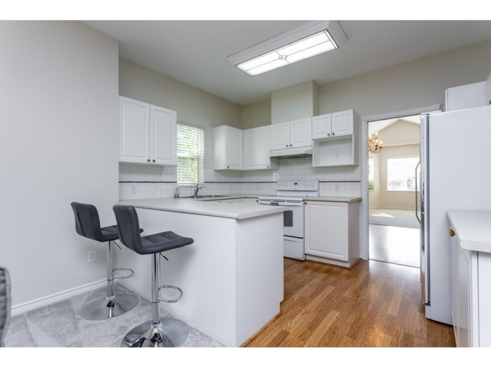 20655-88-avenue-walnut-grove-langley-06 at 330 - 20655 88 Avenue, Walnut Grove, Langley
