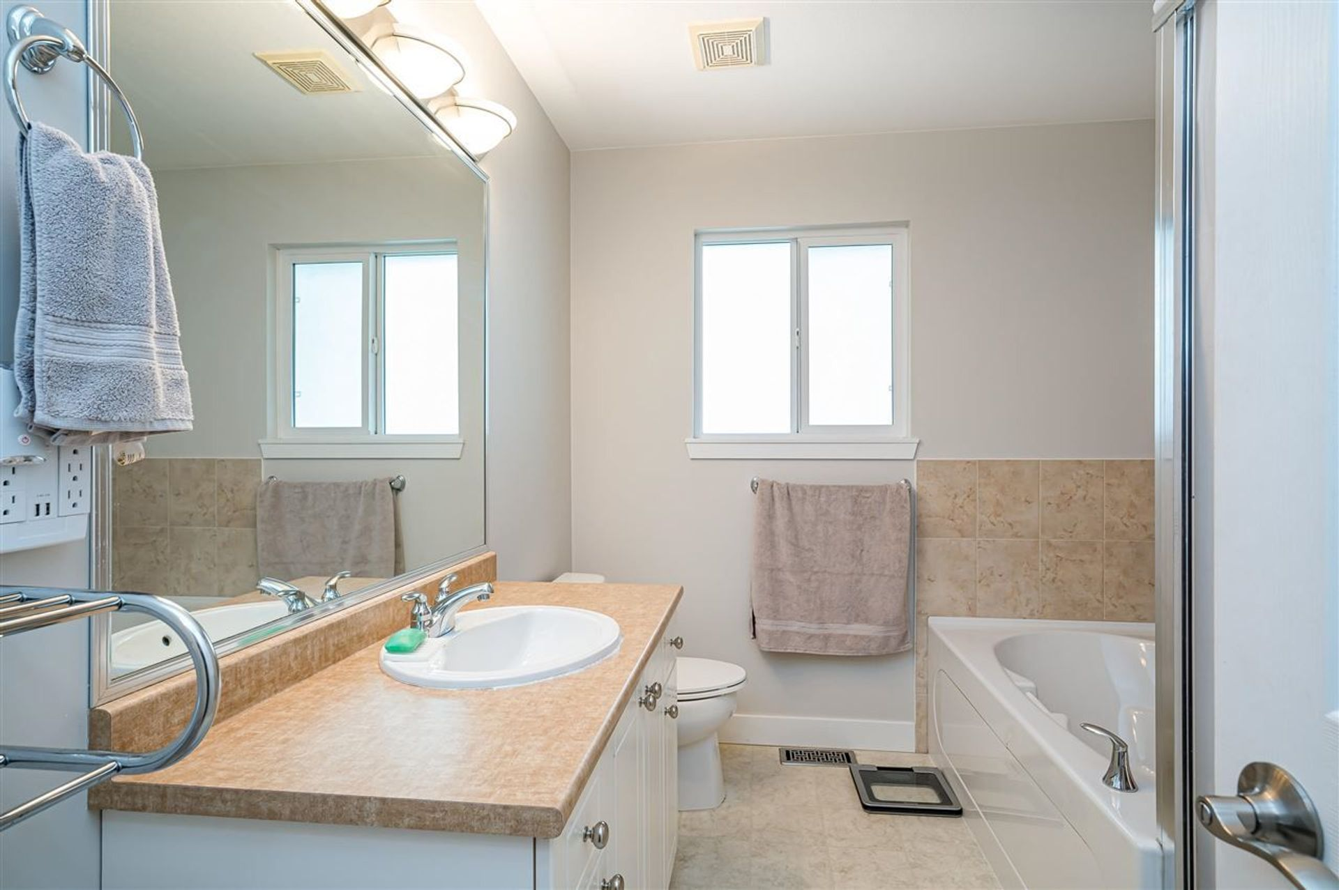 16538-60th-ave-avenue-cloverdale-bc-cloverdale-15 at 16538 60th Ave Avenue, Cloverdale BC, Cloverdale