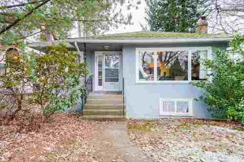 2696-w-11th-avenue-kitsilano-vancouver-west-01 at 2696 W 11th Avenue, Kitsilano, Vancouver West