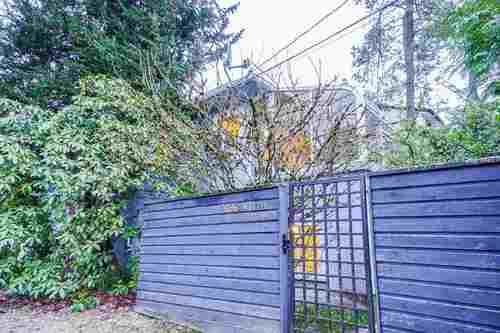 2696-w-11th-avenue-kitsilano-vancouver-west-03 at 2696 W 11th Avenue, Kitsilano, Vancouver West