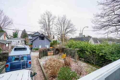 2696-w-11th-avenue-kitsilano-vancouver-west-06 at 2696 W 11th Avenue, Kitsilano, Vancouver West