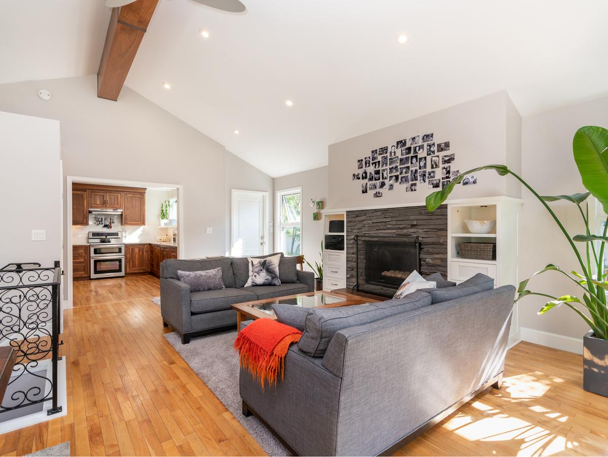2455-lloyd-ave-21 at 2455 Lloyd Avenue, Pemberton Heights, North Vancouver