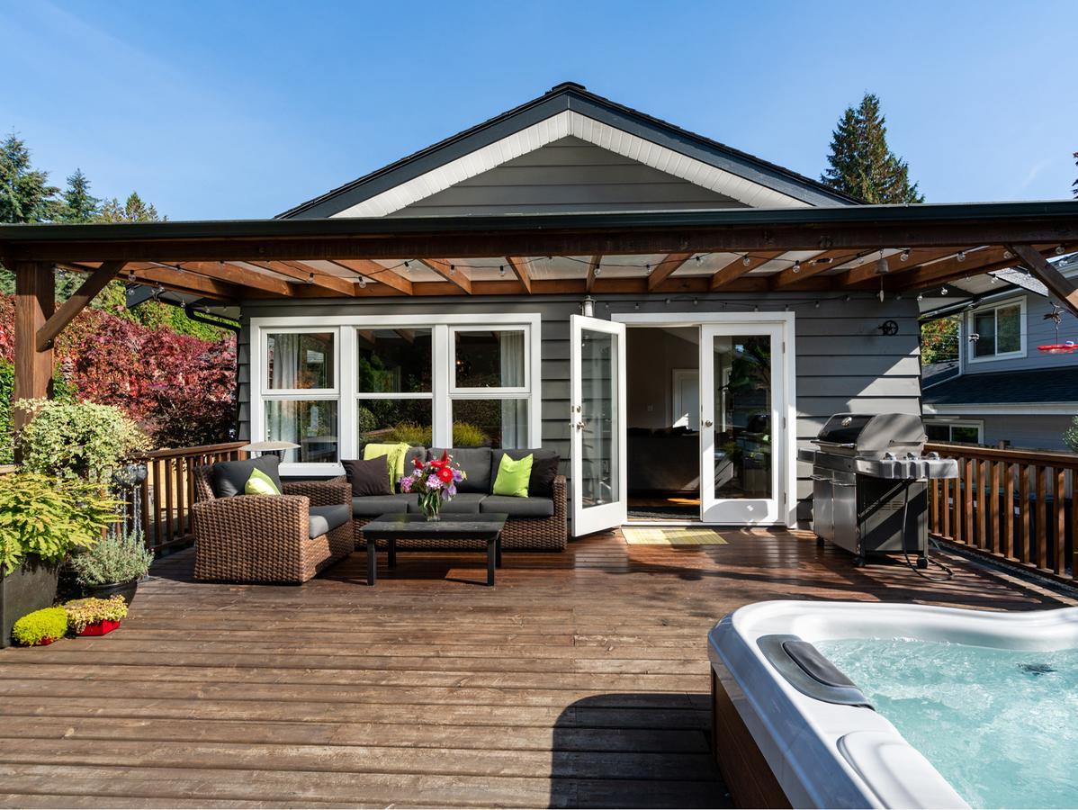 2455-lloyd-ave-24 at 2455 Lloyd Avenue, Pemberton Heights, North Vancouver
