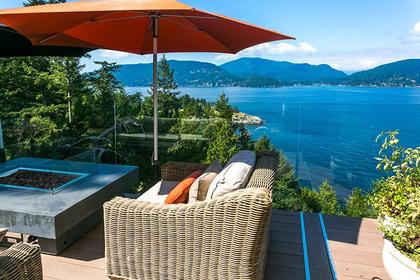 Patio at 6995 Hycroft, Whytecliff, West Vancouver