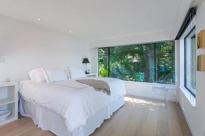 Master Bedroom at 6995 Hycroft, Whytecliff, West Vancouver