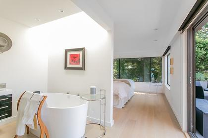 Master Bathroom at 6995 Hycroft, Whytecliff, West Vancouver