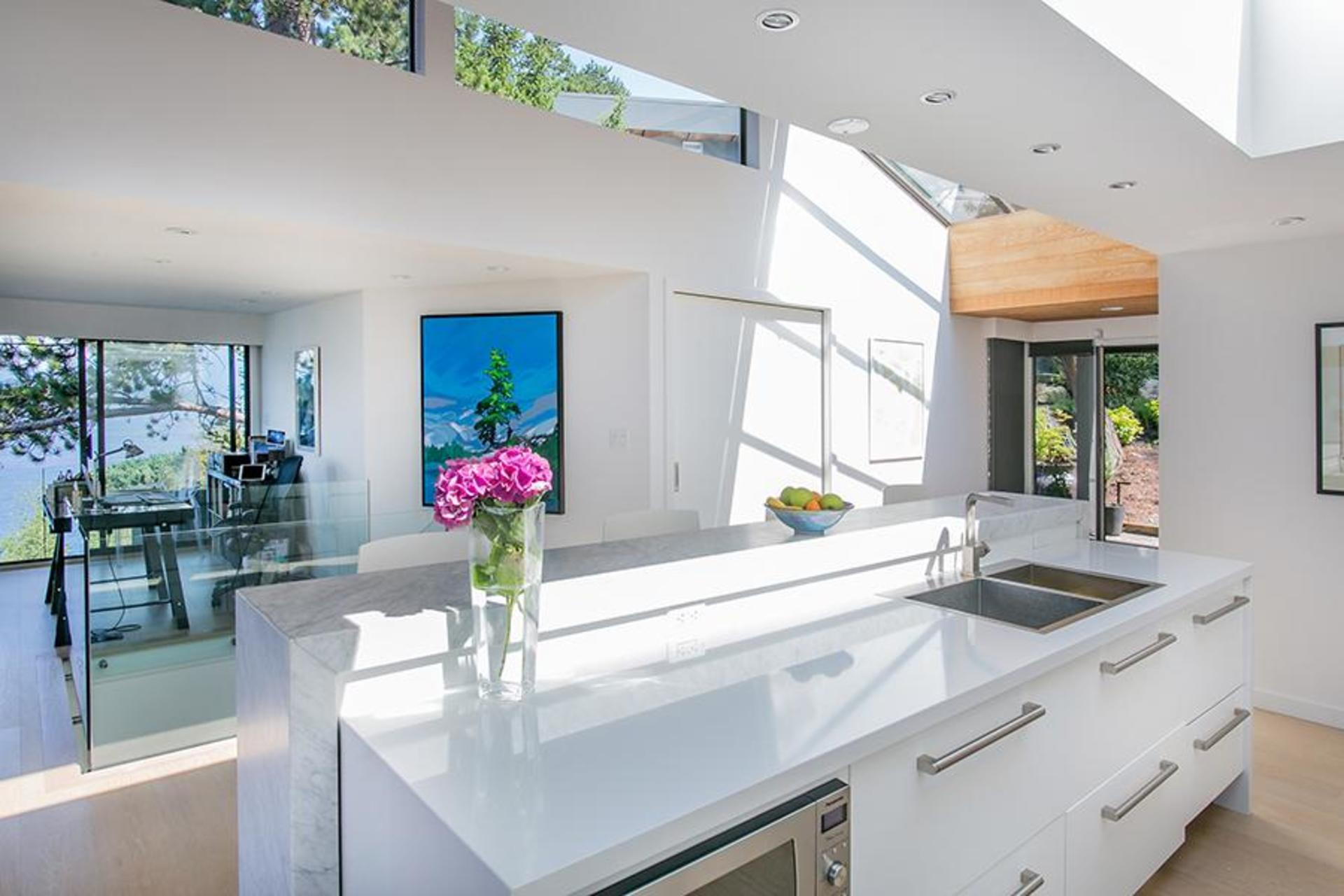 Kitchen at 6995 Hycroft, Whytecliff, West Vancouver