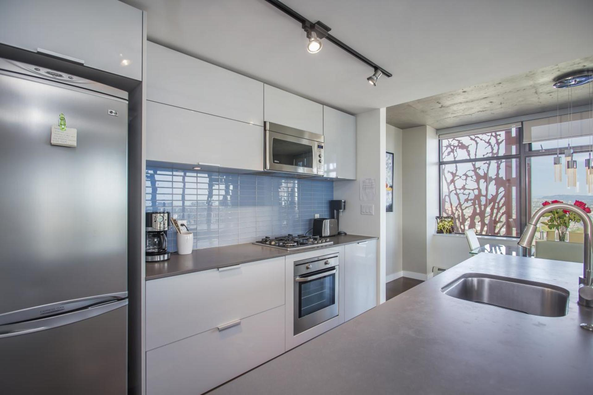 Kitchen at 3806 - 128 Cordova, Downtown VW, Vancouver West