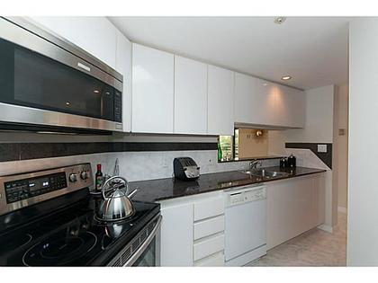 Kitchen at 503 - 1050 Burrard, Downtown VW, Vancouver West