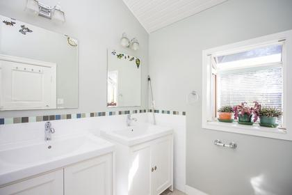 Master Bathroom at 3240 West 36th Avenue, MacKenzie Heights, Vancouver West