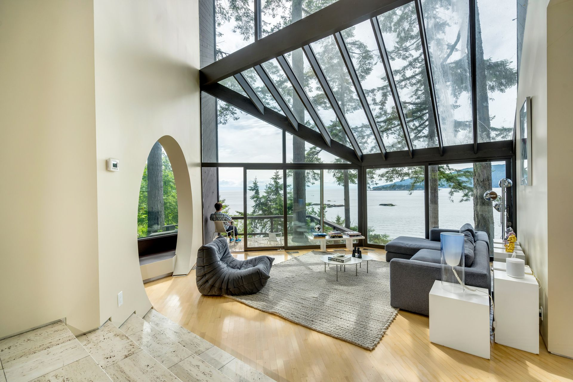 10 at  5202 Marine Drive, West Vancouver