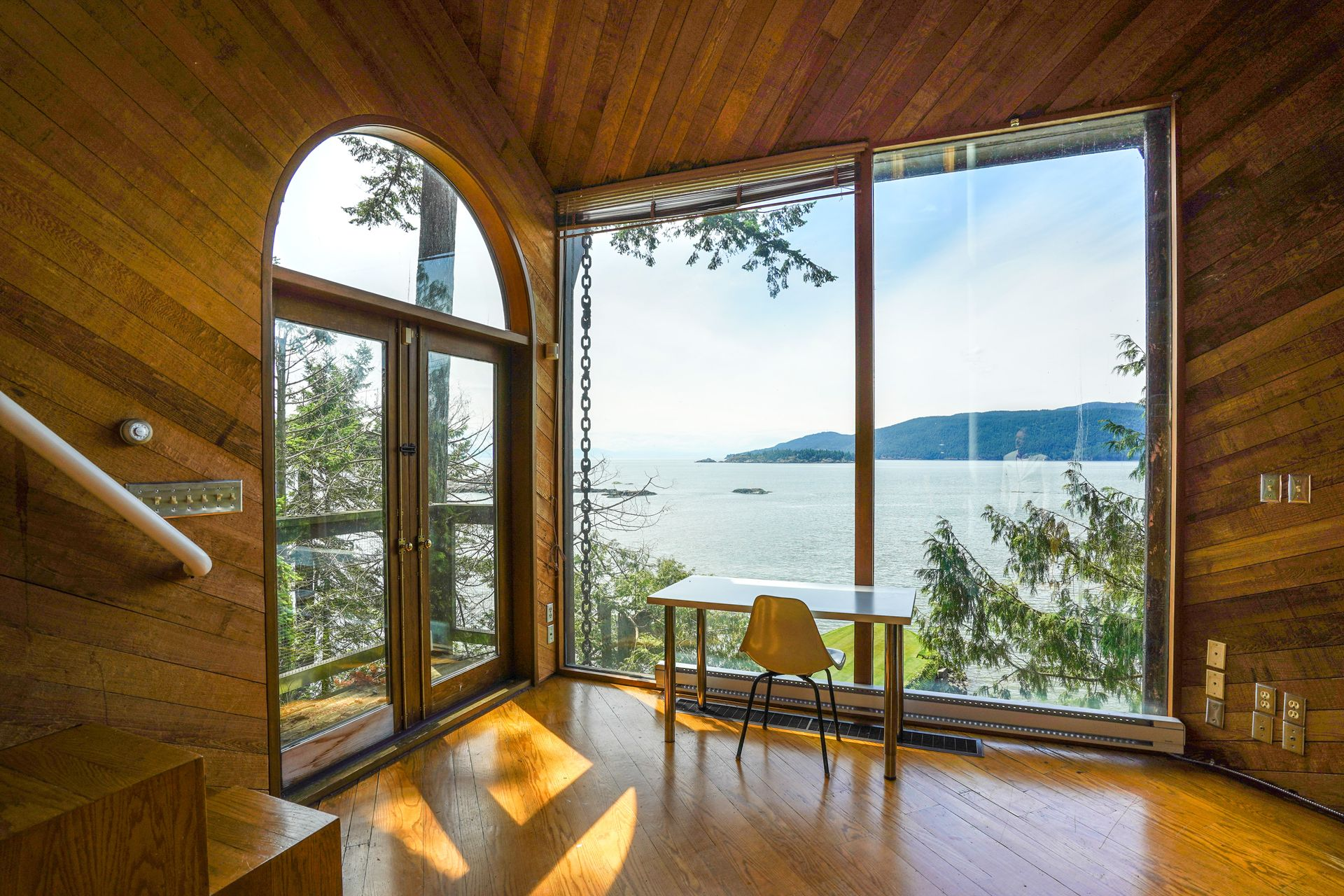 21 at  5202 Marine Drive, West Vancouver