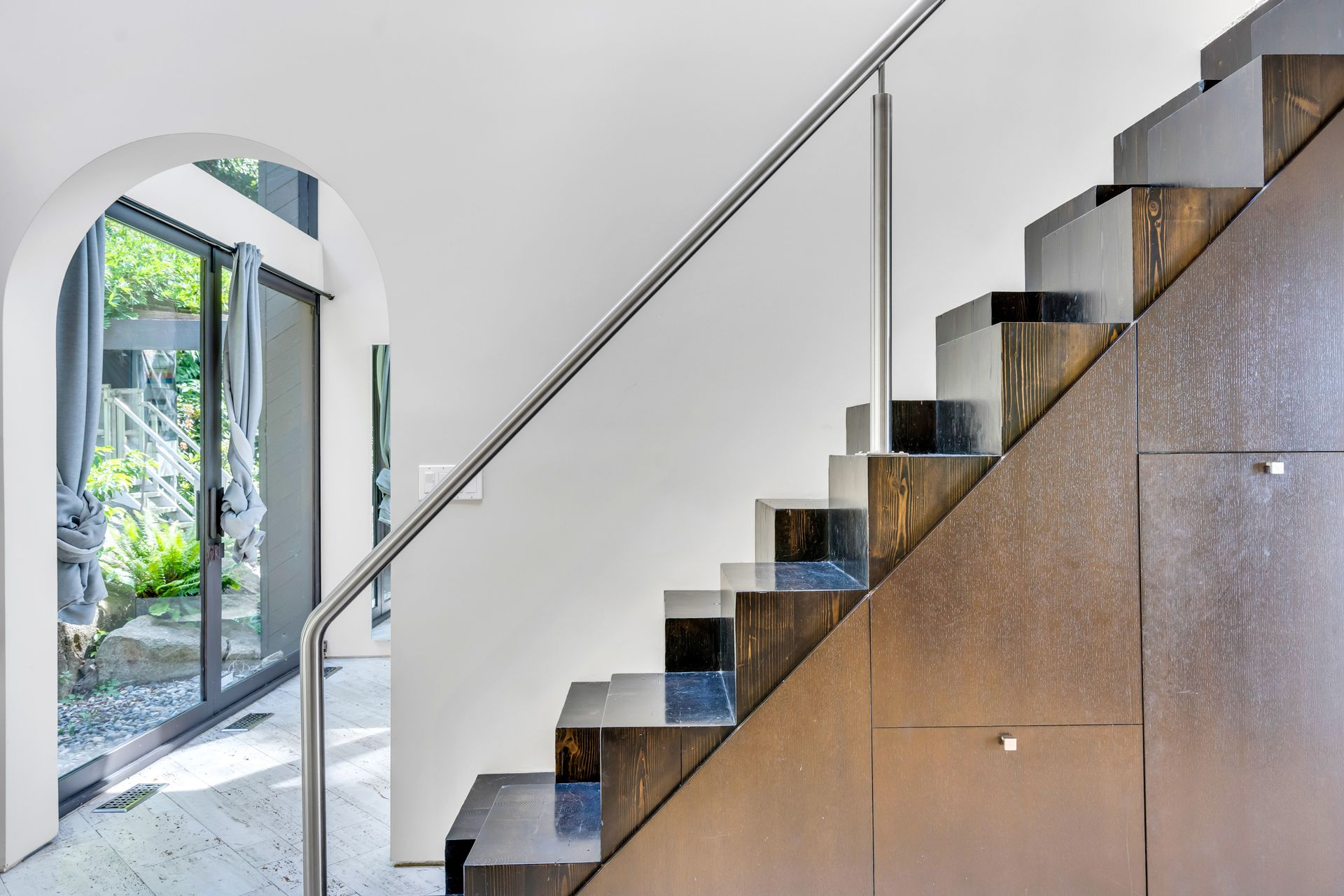 28 at  5202 Marine Drive, West Vancouver