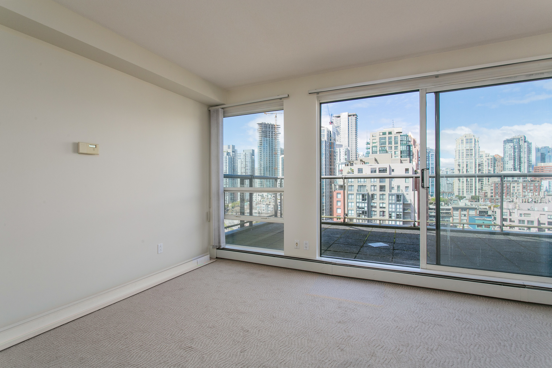 1j6a2600 at 20C - 139 Drake Street, Yaletown, Vancouver West