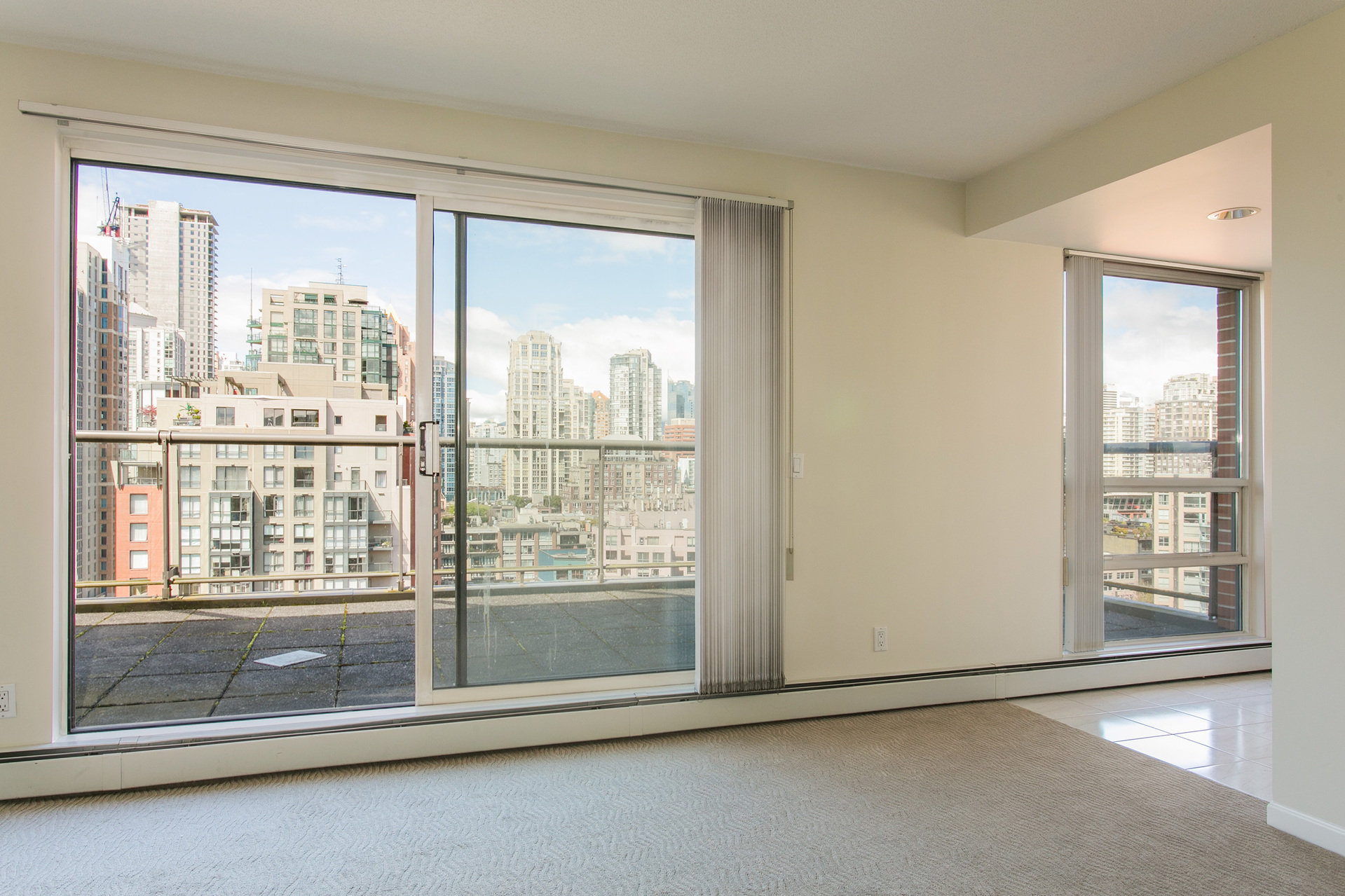1j6a2609 at 20C - 139 Drake Street, Yaletown, Vancouver West