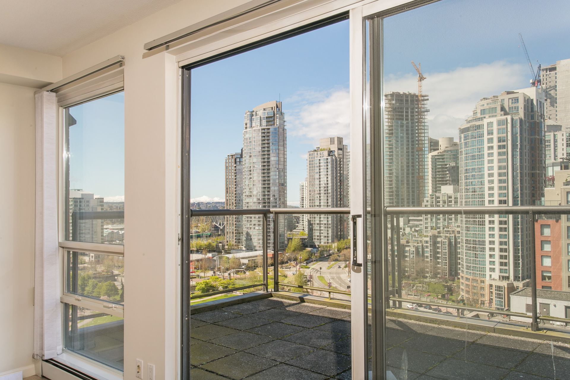 1j6a2626 at 20C - 139 Drake Street, Yaletown, Vancouver West