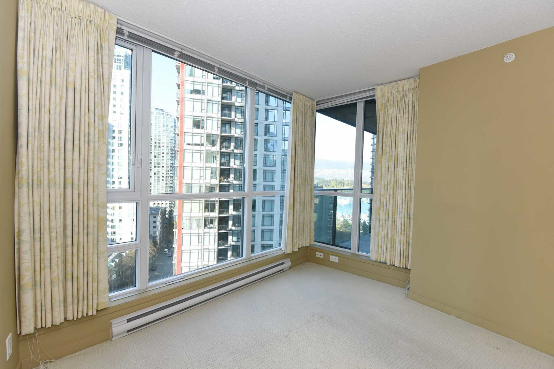16-1-of-1 at 1607 - 1189 Melville, Coal Harbour, Vancouver West