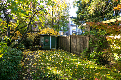 20191022-1j6a9692 at  West 3rd Avenue, Kitsilano, Vancouver West