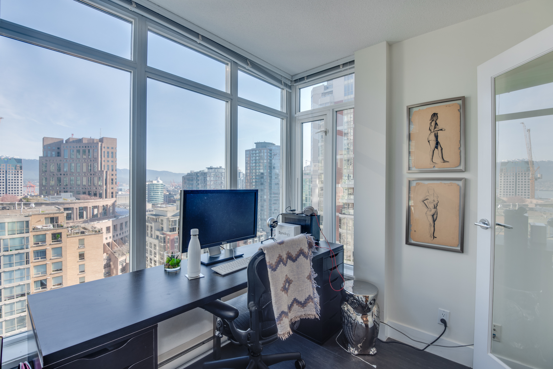 10 at 2203 - 888 Homer Street, Yaletown, Vancouver West