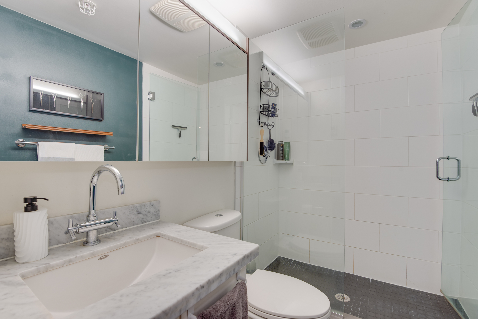 12 at 2203 - 888 Homer Street, Yaletown, Vancouver West