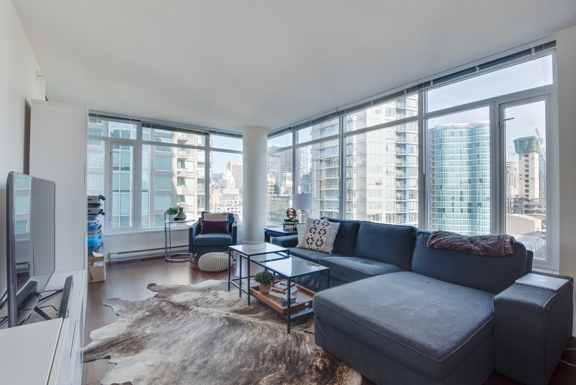 3 at 2203 - 888 Homer Street, Yaletown, Vancouver West