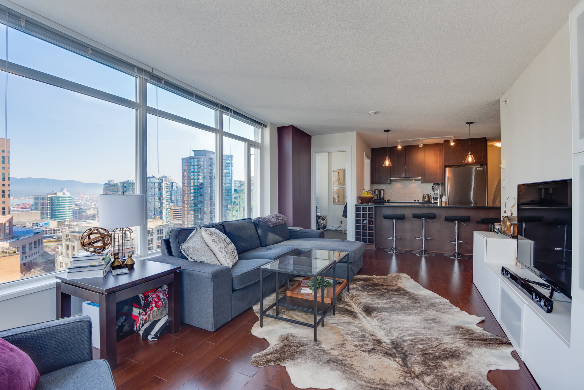 5 at 2203 - 888 Homer Street, Yaletown, Vancouver West