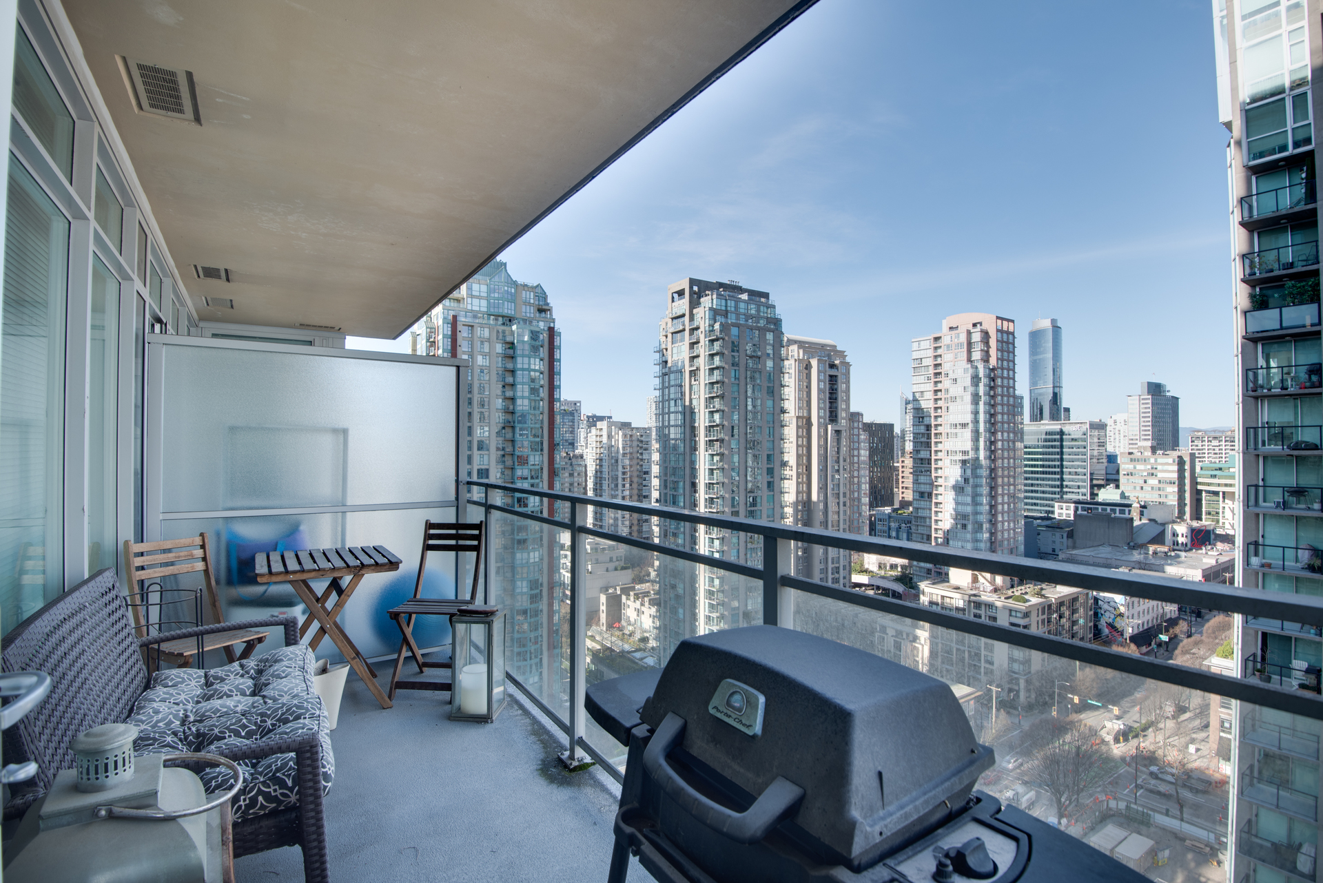 6 at 2203 - 888 Homer Street, Yaletown, Vancouver West