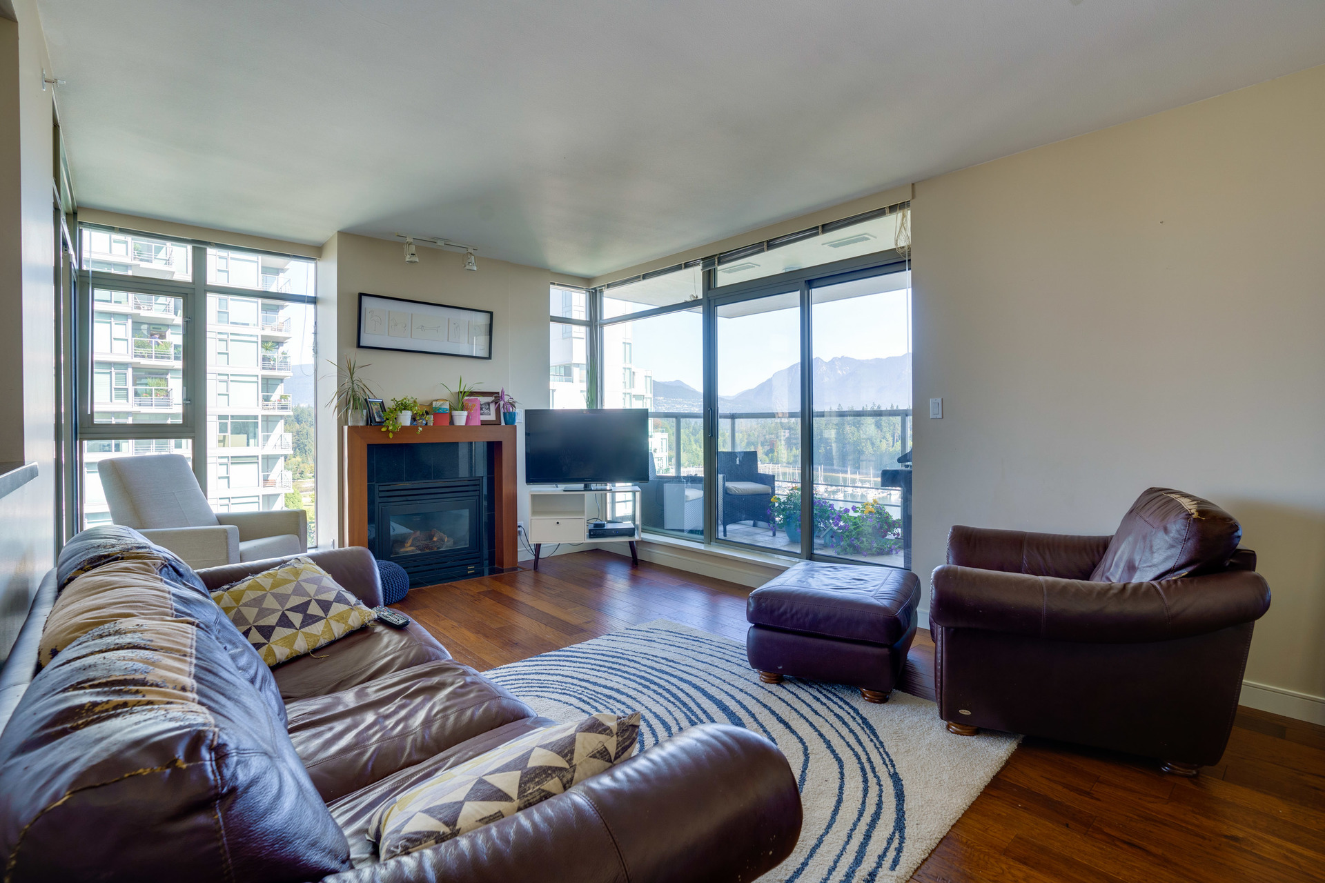 10 at 1303 - 1680 Bayshore Drive, Coal Harbour, Vancouver West
