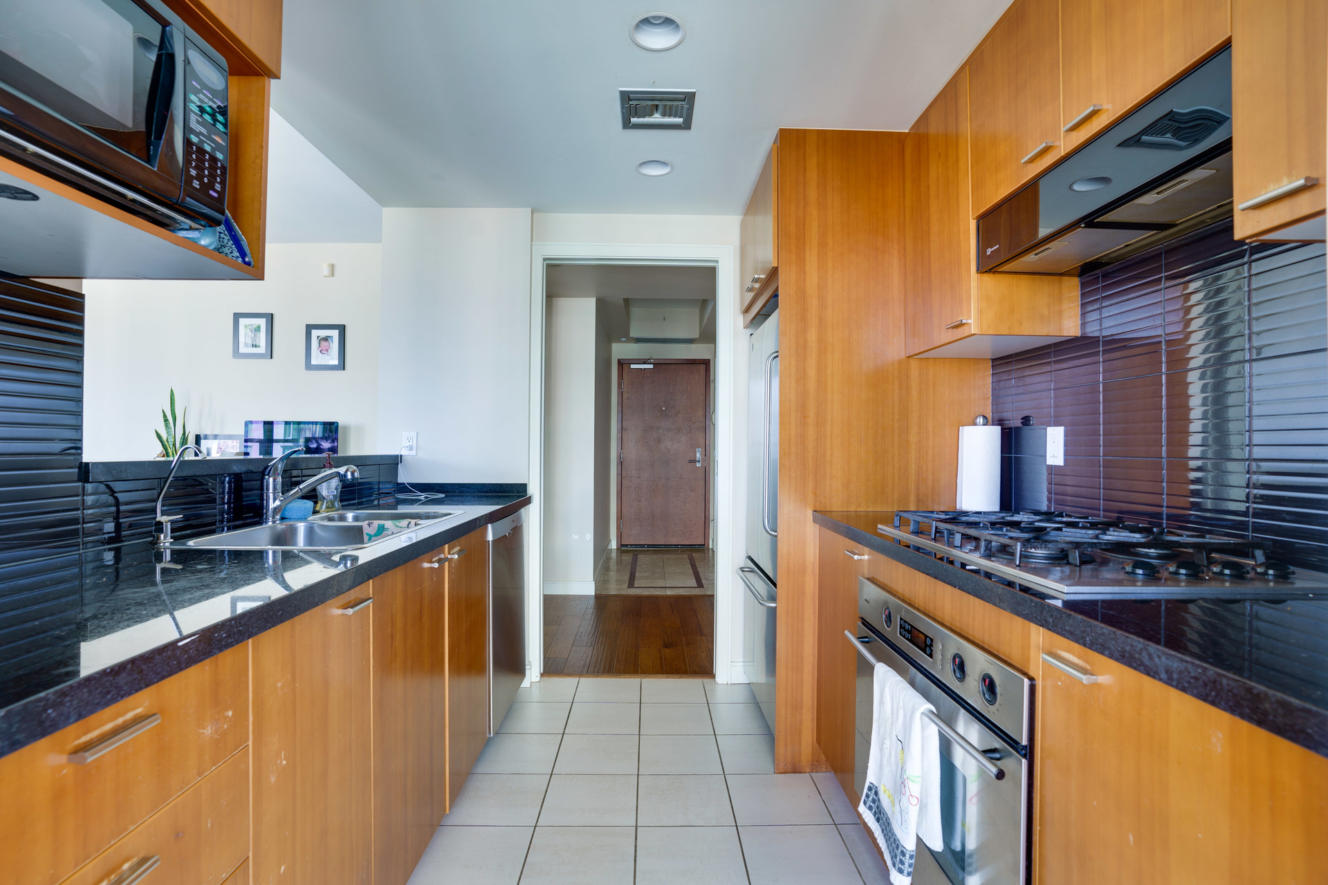 15 at 1303 - 1680 Bayshore Drive, Coal Harbour, Vancouver West