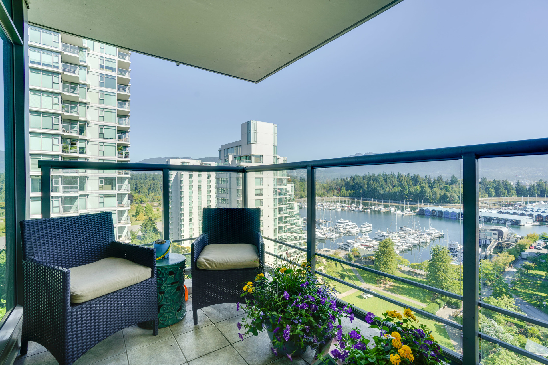 16 at 1303 - 1680 Bayshore Drive, Coal Harbour, Vancouver West