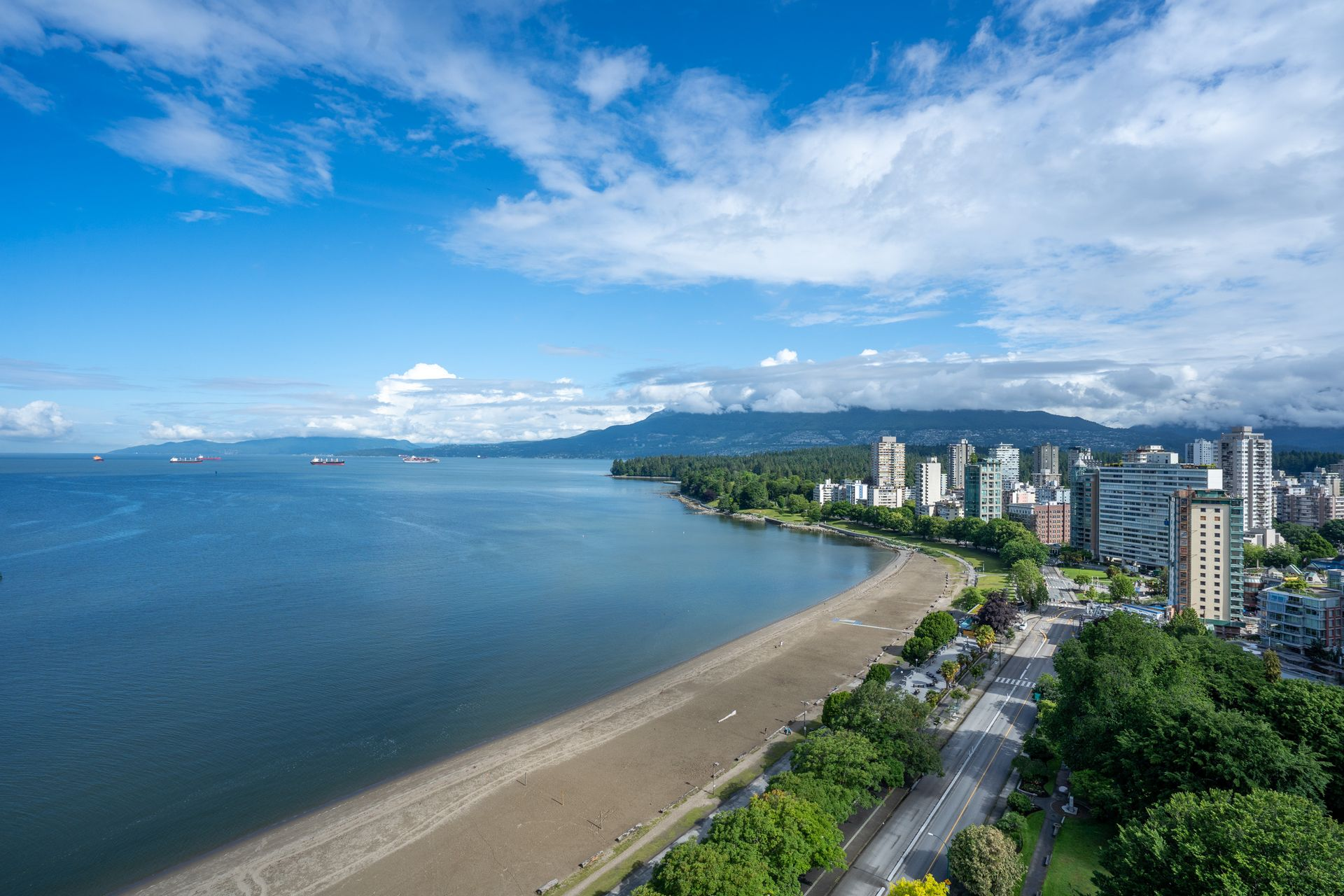 17 at 2401 - 1600 Beach Avenue, West End VW, Vancouver West