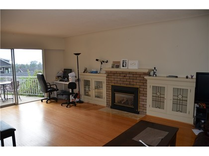 Living Room at 4010 W 34th Avenue, Vancouver West