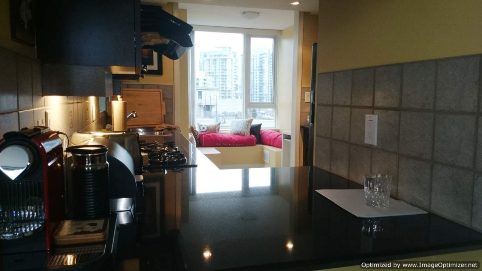 Kitchen at 1005 - 1383 Marinaside, Yaletown, Vancouver West