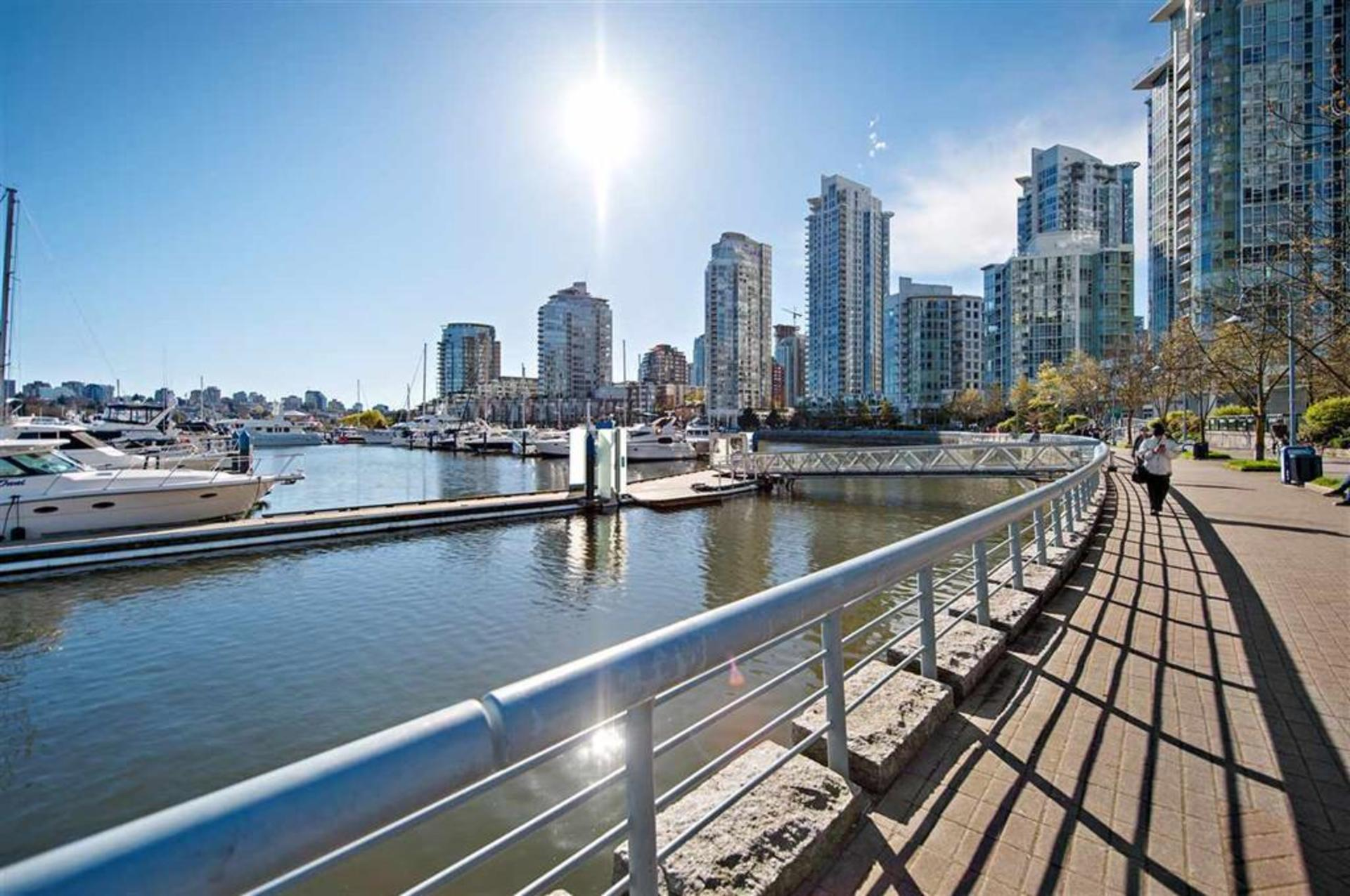 262203581 at 2706 - 1033 Marinaside Crescent, Yaletown, Vancouver West