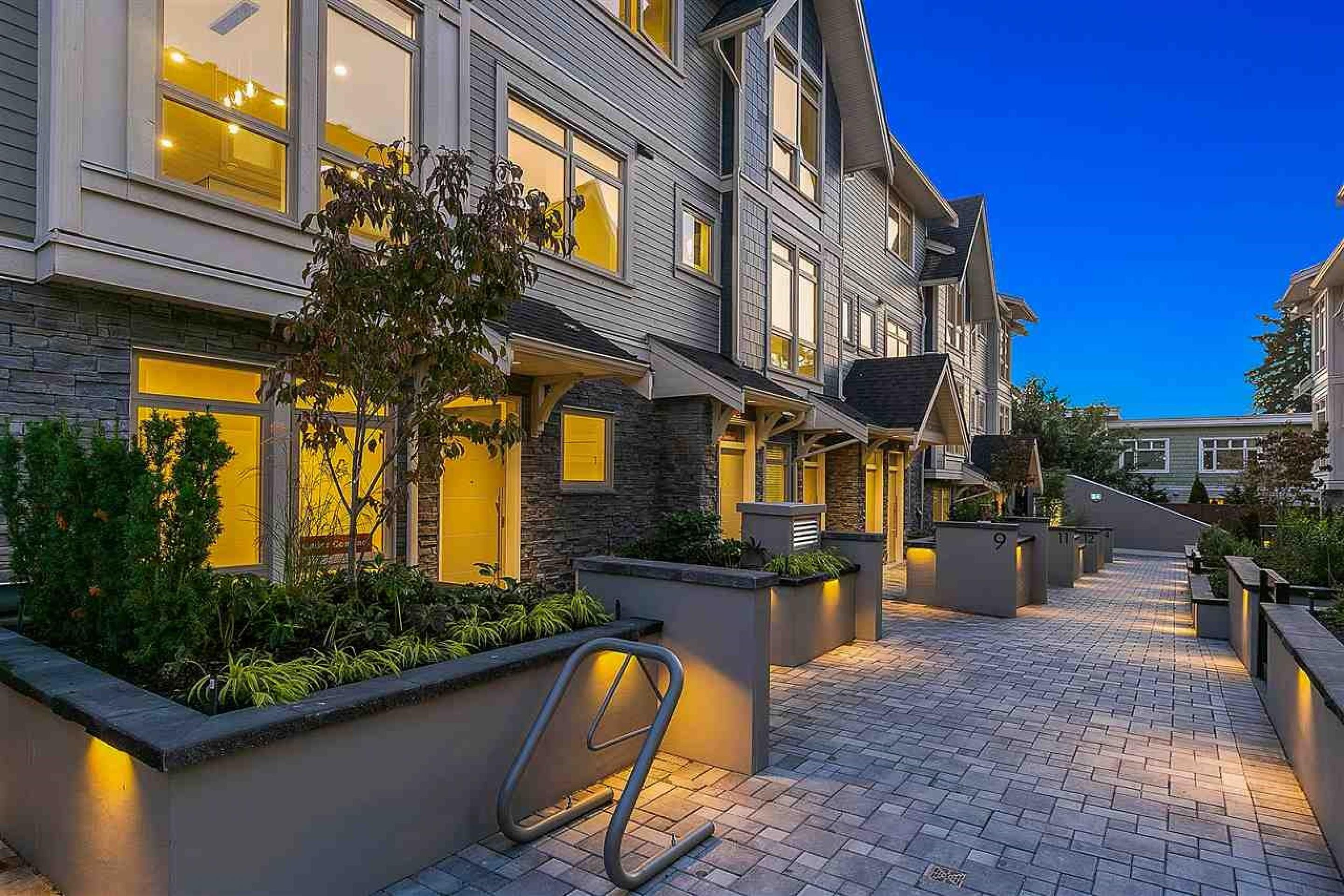 11 - 115 W Queens Road, Upper Lonsdale, North Vancouver