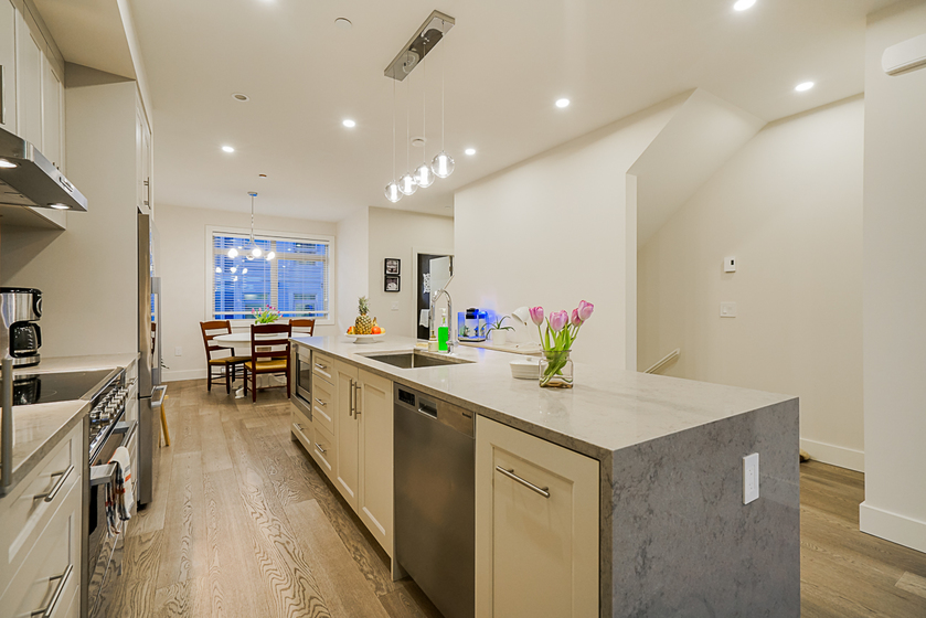 unit-11-115-west-queens-road-north-vancouver-12 at 11 - 115 W Queens Road, Upper Lonsdale, North Vancouver