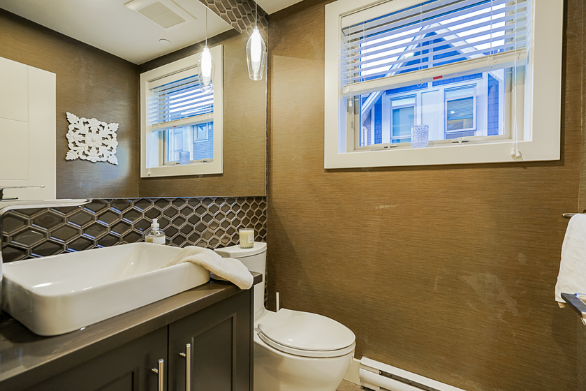 unit-11-115-west-queens-road-north-vancouver-5 at 11 - 115 W Queens Road, Upper Lonsdale, North Vancouver