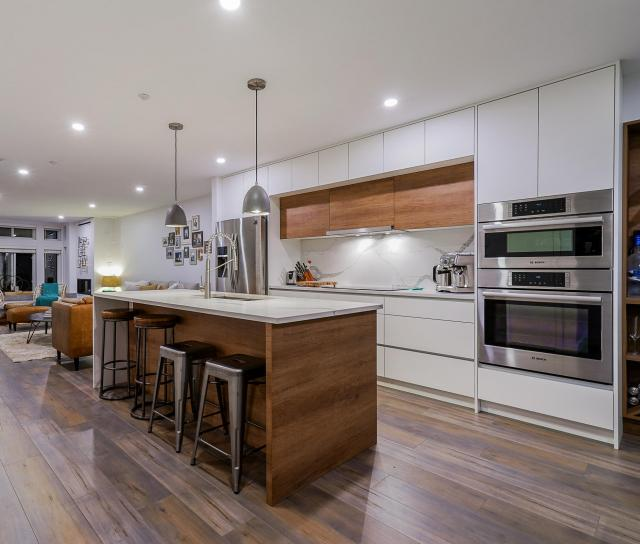 5 - 225 E 5th Street, Lower Lonsdale, North Vancouver 2