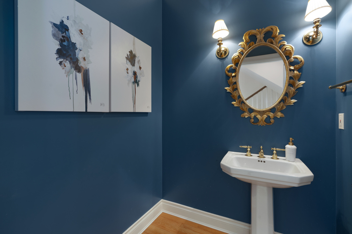 Powder Room at 4682 Decourcy Court, Caulfeild, West Vancouver