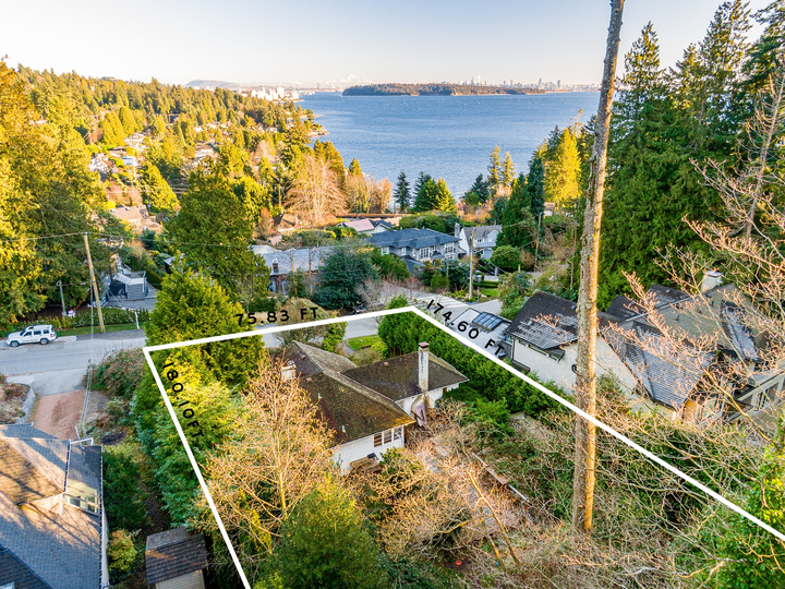 17450 at 449 Hillcrest Street, Westmount WV, West Vancouver