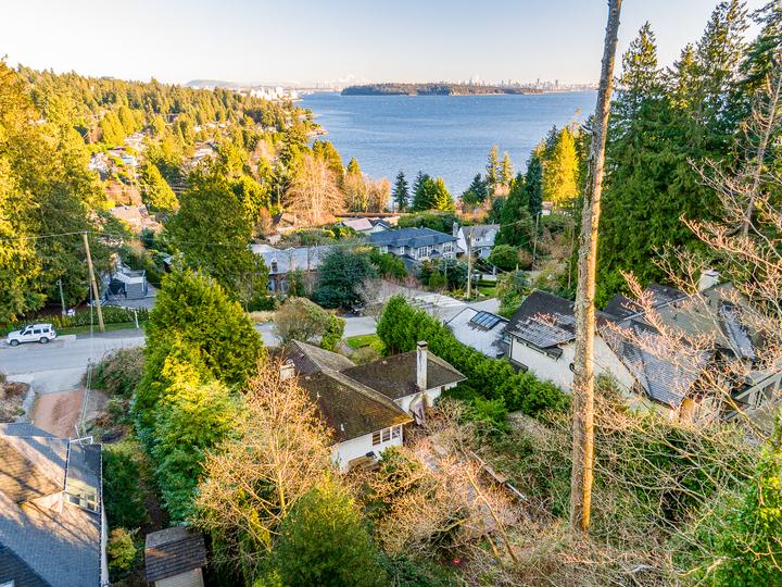 449-hillcrest-street-west-vancouver-15 at 449 Hillcrest Street, Westmount WV, West Vancouver
