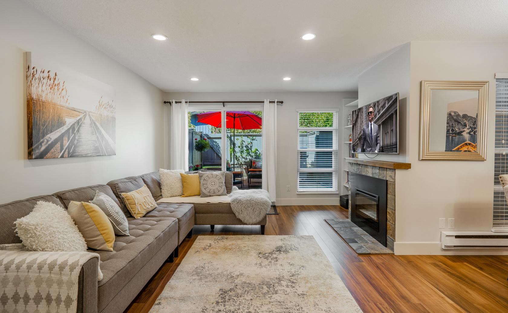 17 - 900 W 17th Street, Mosquito Creek, North Vancouver