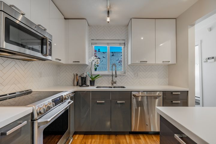 unit-17-900-17th-street-w-north-vancouver-12 at 17 - 900 W 17th Street, Mosquito Creek, North Vancouver