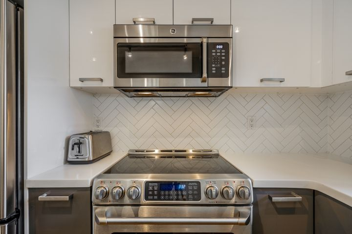 unit-17-900-17th-street-w-north-vancouver-14 at 17 - 900 W 17th Street, Mosquito Creek, North Vancouver