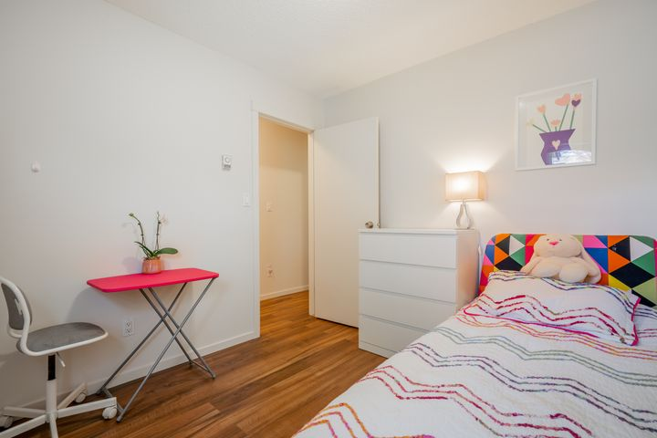 unit-17-900-17th-street-w-north-vancouver-30 at 17 - 900 W 17th Street, Mosquito Creek, North Vancouver