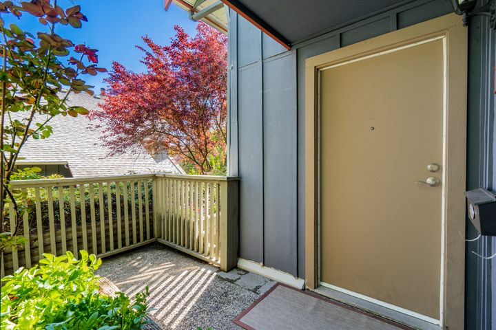 unit-17-900-17th-street-w-north-vancouver-8 at 17 - 900 W 17th Street, Mosquito Creek, North Vancouver